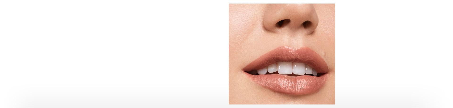 Clinique lipstick blushing nude